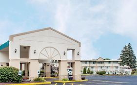 Quality Inn & Suites Vestal Binghamton Near University photos Exterior