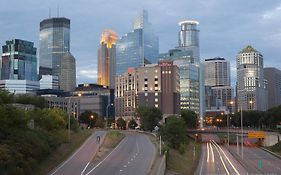 Hilton Garden Inn Downtown Minneapolis 3*