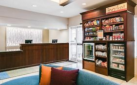 Fairfield Inn Kansas City Airport 2*
