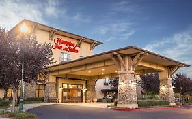 Hampton Inn And Suites Windsor Ca