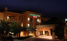 Courtyard Flint