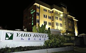 Yahoo Hotel Review