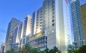 Hampton Inn And Suites Brickell