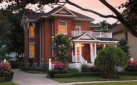 Mornington Rose Bed And Breakfast Stratford On