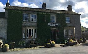 The Falcon Arncliffe