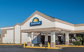 Days Inn South Hill Virginia