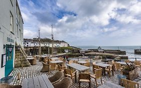 Pier House Hotel 3*