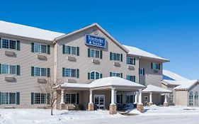 Travelodge And Suites Fargo Moorhead