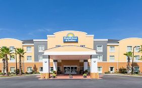 Days Inn And Suites Port Wentworth Ga