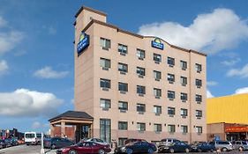 Days Inn & Suites By Wyndham Jamaica Jfk Airport