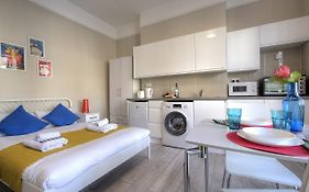 Blenheim Holiday Apartments