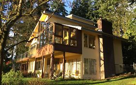 A Cascade View Bed And Breakfast Bellevue Wa