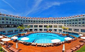 Meder Resort 5 *