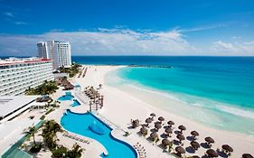 Crystal Hotel Cancun