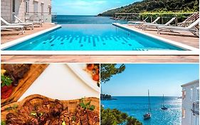 Boutique Pine Tree Apartments Mljet