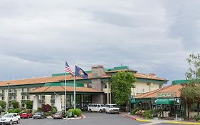 Rogue Regency Inn Medford Oregon