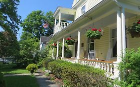 Cooperstown Bed And Breakfast 2*