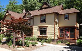 Twin Oaks Inn Saugatuck Michigan