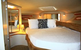 Dockside Boat And Bed photos Exterior