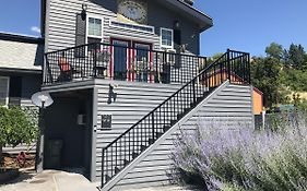 Chelan Bed And Breakfast