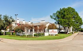 Hawthorn Suites Arlington Texas