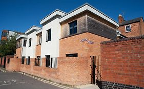 Quire Court Apartment Gloucester