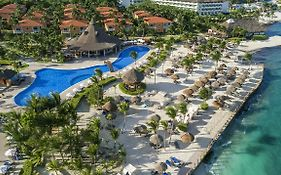 Ocean Maya Royale by H10 Reviews