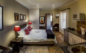Lalapanzi Guest Lodge Port Elizabeth 4*