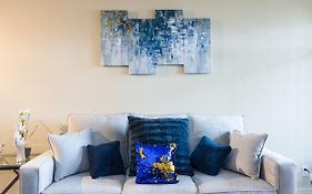 The Grove Luxe Apartment