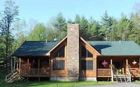 The Log Cabin Bed & Breakfast (Adults Only)