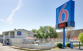 Motel 6 Denver Lakewood 2*