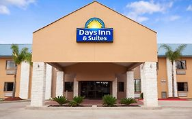 Days Inn And Suites Conroe North