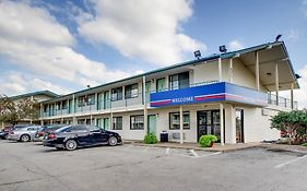 Motel 6 Des Moines South Airport
