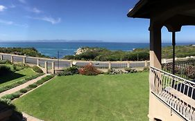 On The Cliff Guest House Hermanus