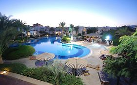 Dive Inn Resort 4*