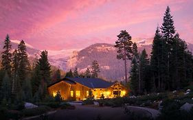 Lodges in Sequoia National Park