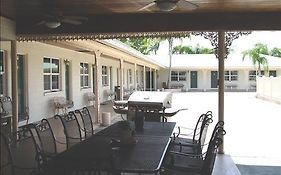 Reeds Motel And Oasis Banquet H