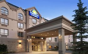 Days Inn Suites Collingwood