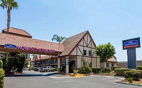Howard Johnson Norco Hotel