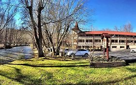 Riverbend Motel And Cabins Helen Ga