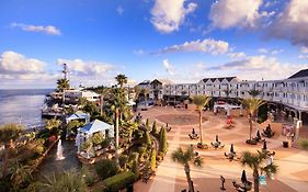 Kemah Boardwalk Hotel