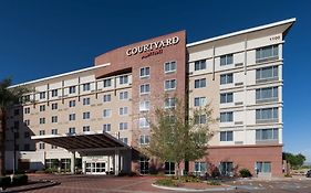 Courtyard Fashion Ctr Marriott