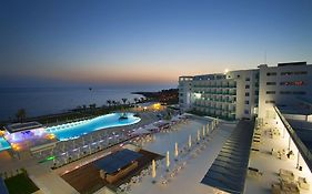 King Evelthon Beach Hotel & Resort 5*