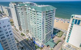 Beach Club Resort va Beach