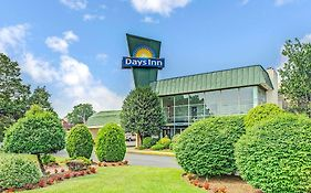 Days Inn Arlington Washington