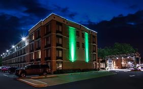 Holiday Inn Saratoga Ny