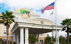 Holiday Inn Express & Suites New Tampa