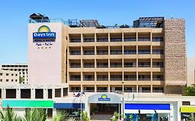 Days Inn Hotel & Suites Aqaba 4*