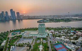 Hotel Holiday International Sharjah 4*