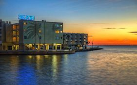 Sailport Waterfront Suites Tampa Florida